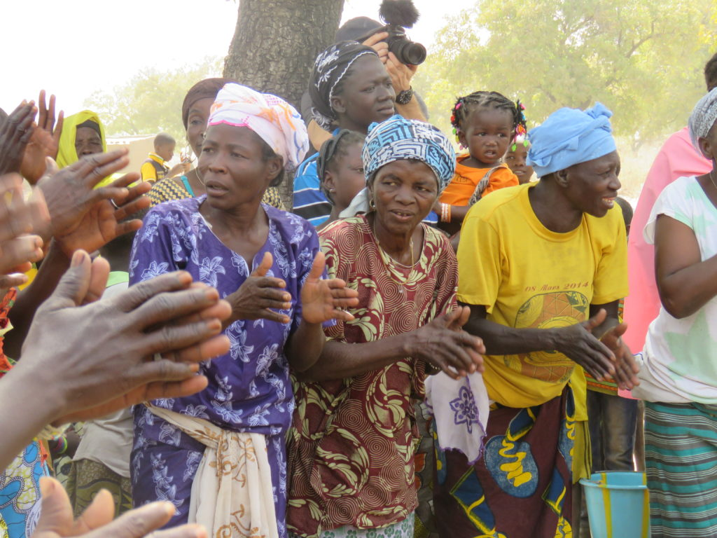Women dancing, Village of Taré